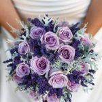 ljubičasti vjenčani buket