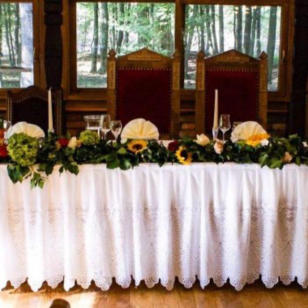 stol za mladence rustikalni